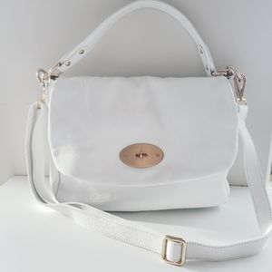 LUXURIOUS WHITE LEATHER BAG